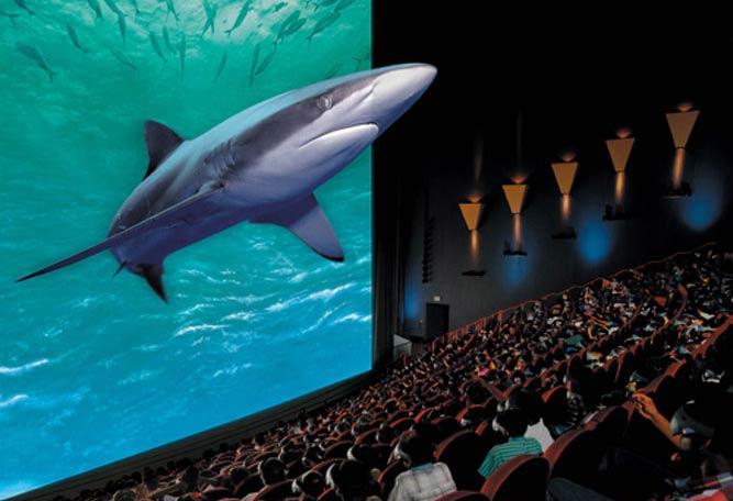 Картинки по запросу люди в кинотеатре фото