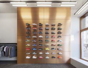магазин спортивной обуви и одежды